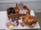 Ontbijtmand de Luxe voor 2 of meer personen_