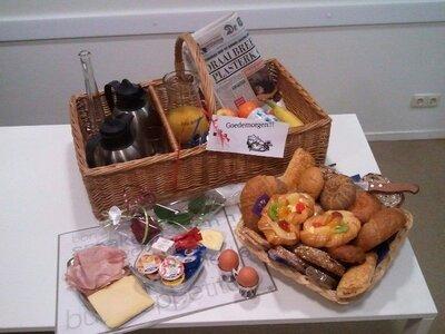 Ontbijtmand de Luxe voor 2 of meer personen